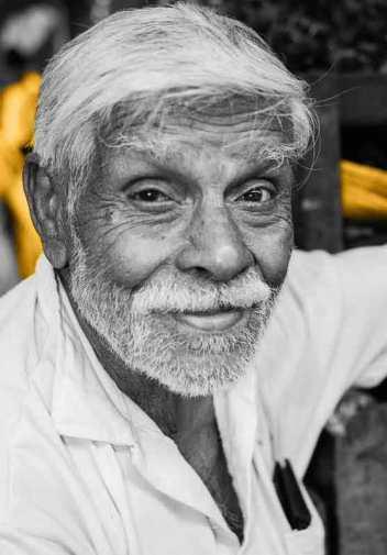 P1060364The-old-Market-man-2-Kandy-Sri-Lanka